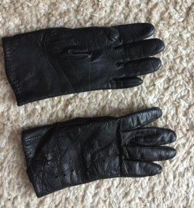Женские перчатки(кожа)