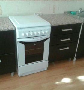 Кухонный гарнитур. Новый.