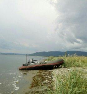 Продам лодку 365
