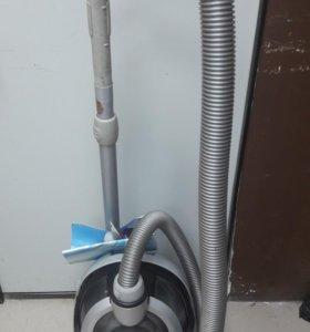 пылесос Electrolux c6717