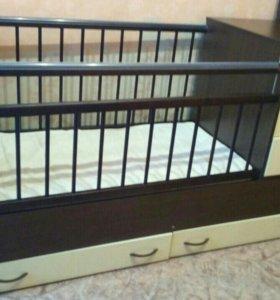Кроватка детская с ящиками