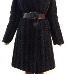 Пальто зимнее под каракуль