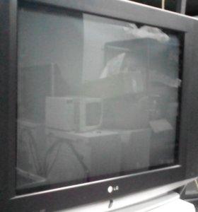 ТВ LG большой
