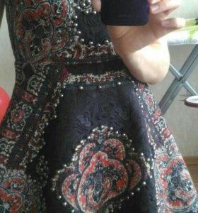 Платье 42-44 очень красивое