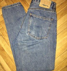 джинсы MOM