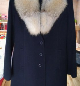 Пальто зимнее  с лисой, 42-44