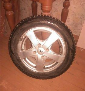 Продам колесо 195/60R15