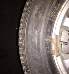 Зимние Шины  Toyo 205/65 R15