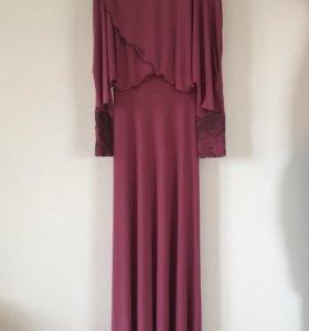 Вечернее платье в пол светло бордовое