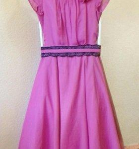 Нарядное платье 44-46р.