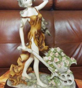 статуэтка девушки