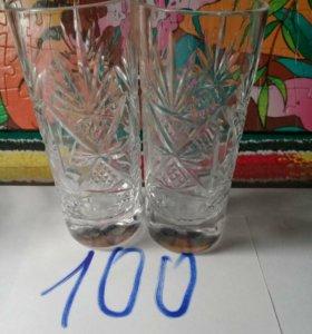 Рюмки и стаканы.