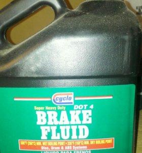 Тормозная жидкость дот-4(3.785 литр)