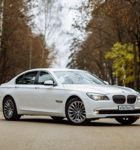 BMW 7 серии Белый