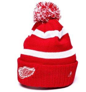 Шапка с хоккейной символикой клубов NHL