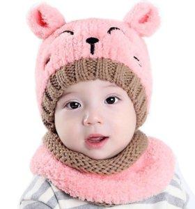 Комплект, шапка и шарф.