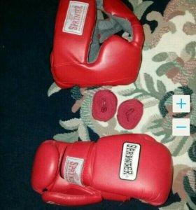 Шлем , перчатки и бинты для бокса