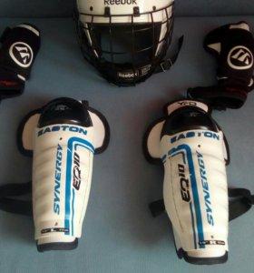 Шлем, наколенники и подлокотники