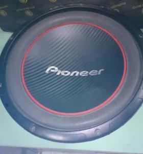 Савуфер Pioneer TS-W304R
