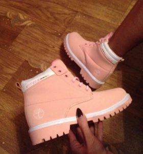 Зимние розовые ботиночки