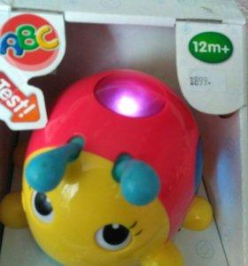 Новая игрушка малышу