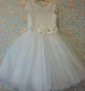 Нарядное платье р.122-128-134