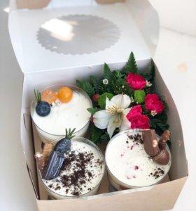 Подарочные десерты с живыми цветами