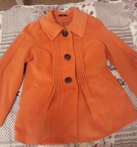 Пальто 50-52 или для беременных