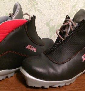 Ботинки лыжные 37-38 р. Б/у