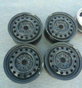 Комплект штампованных дисков Тойота
