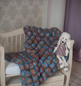 Бомбон-одеяло на детскую и подростковую кровать