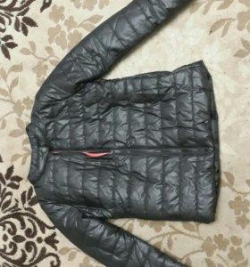 новая куртка 42р.