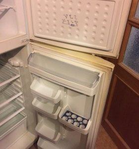 Холодильник. Vestel.