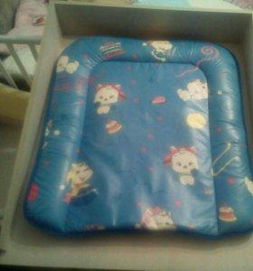 Пеленальный столик на детскую кроватку
