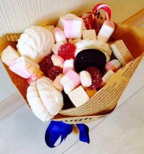 Букет из сладостей и фруктов