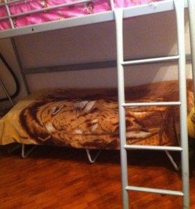 Двухъярусный кровать-чердак