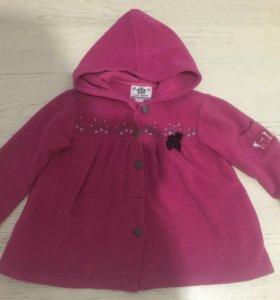 Пальто на девочку 4-5 лет.