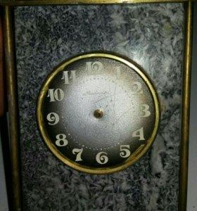 Мраморные часы МОЛНИЯ