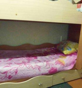 Кровать двухъярусная с одним матросом