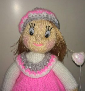 Вязаная кукла ручной работы