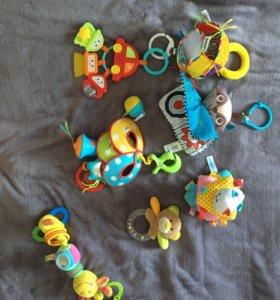 комплект игрушек для малышей