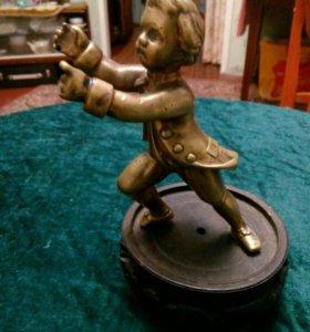 Старинная бронзовая статуэтка ШКОЛЯР