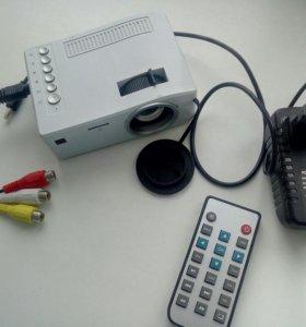 Проектор UNIC UC18