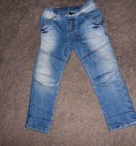 Детские джинсы на мальчика 3-4 года