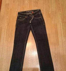 Новые джинсы на девушку