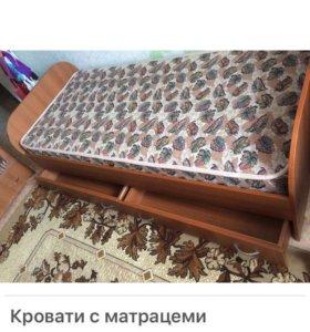 Кровати с матрацем отопедическим в наличии 2 штуки
