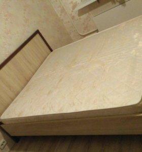 Кровать и матрас б/у