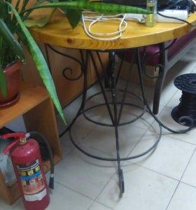 Кованный стол и стулья