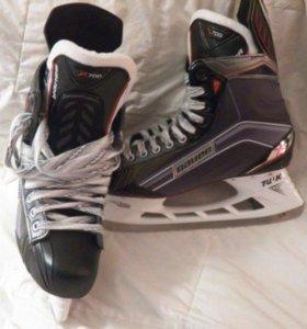 Коньки хоккейные Bauer x700