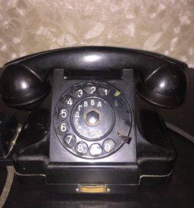 Старинный кабинетный телефон